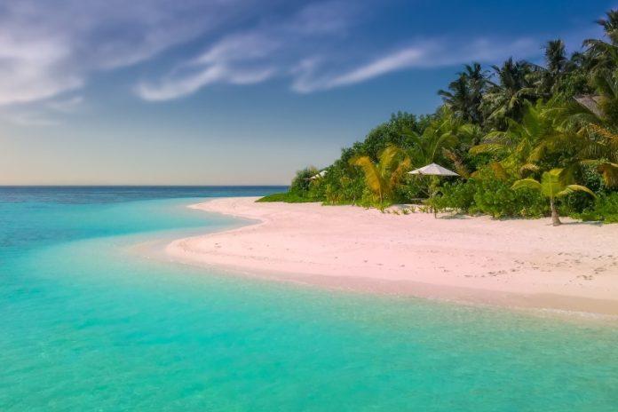 pink sand beaches