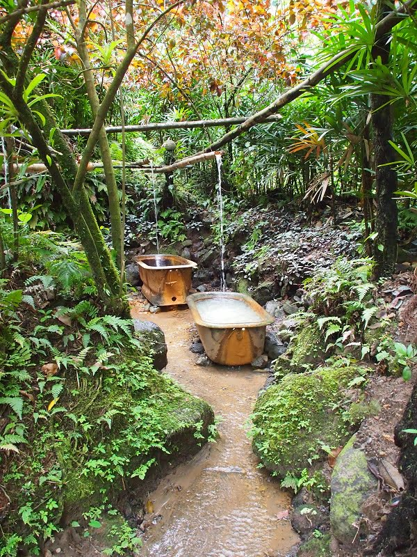 Ti Kwen Glocho hot springs in Dominica