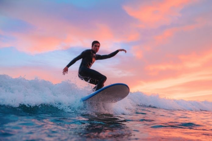 What Beginner Surfers Need To Know Before Hitting the Waves
