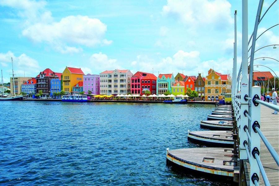 Caribbean diving vacations - Lionfish safari in Curacao
